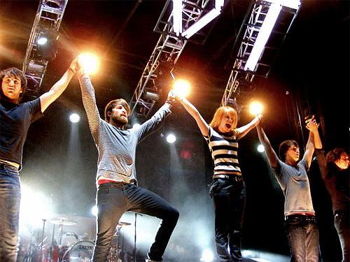 riot paramore. Paramore � Final Riot DVD